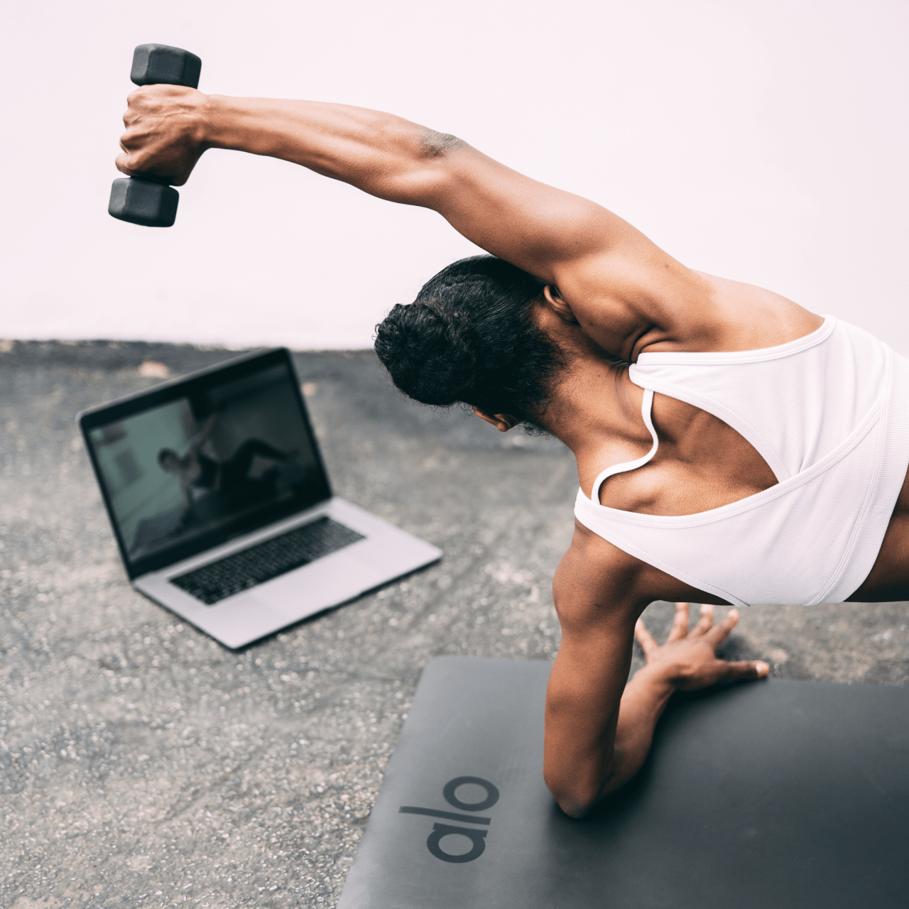 Alo Moves: Thousands of yoga classes by world-class instructors